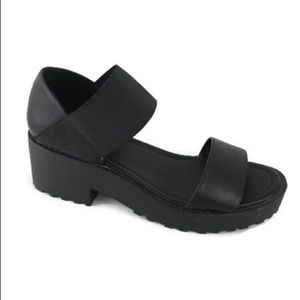 Urban Outfitters Chunky Sandals Black 9